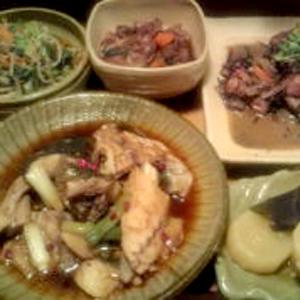大皿日替わりおかずたち/おかず盛り600円
