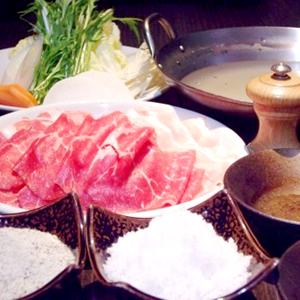 鶏がらスープに特製塩ダレ「塩しゃぶコース」1,800円~
